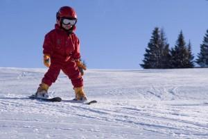 Как поставить 7-летнего ребенка на лыжы?