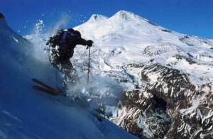 Спуск с горы Чегет