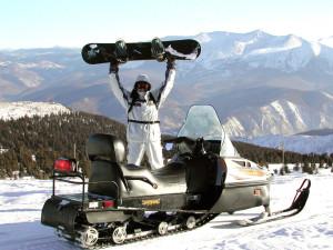 Горнолыжный курорт Ергаки, заброска фрирайдеров на снегоходе
